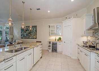 Choosing-the-perfect-cabinets-for-your-Florida-kitchen