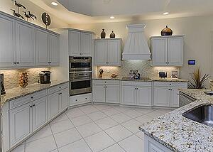 Tips-For-Choosing-Quality-Cabinets-for-Your-Naples-Kitchen.jpg
