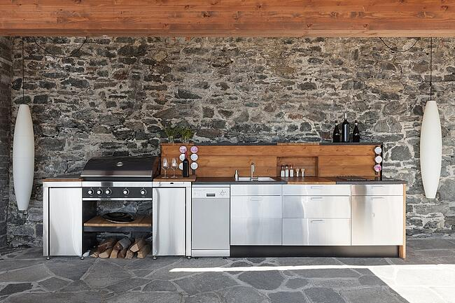 How-to-Create-an-Amazing-Outdoor-Kitchen.jpg